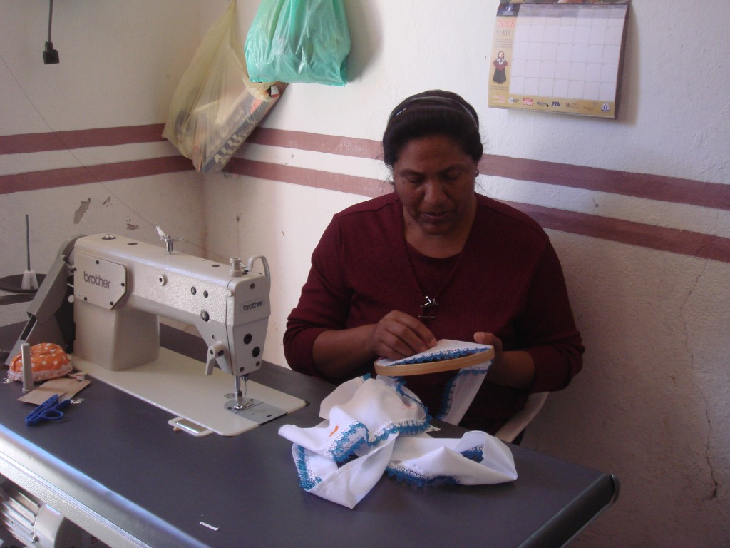 Artesana paraguaya, beneficiaria de uno de los proyectos 2006.